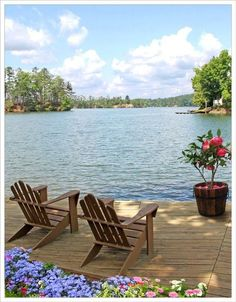 Lake front cabin home with a place to relax Lakeside Living, Coastal Living, Outdoor Living, Lakeside Cabin, Beautiful Homes, Beautiful Places, Beautiful Beach, Relax, Lake Cabins