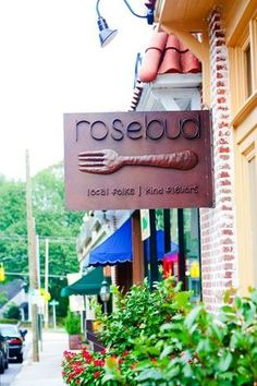 Rosebud is neighborhood restaurant located in Morningside, just outside of Buckhead, focusing on good food, kind flavors and lots of atmosphere. Serving lunch, dinner and weekend brunch, we are proud to offer a menu featuring local and regional ingredients because we believe in supporting our neighbors.