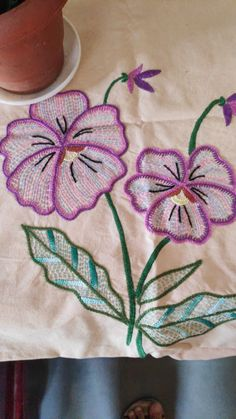 Hand Embroidery Designs, Vintage Embroidery, Embroidery Ideas, Running Stitch, Elsa