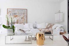 Interior Designer Adinda van Oel's personal style is natural and easy)