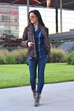 Must-Have Fall Jacket - The Belted Quilt Jacket (and she's wearing the Brynn Chukka!) | THE PERENNIAL STYLE @perennialstyle