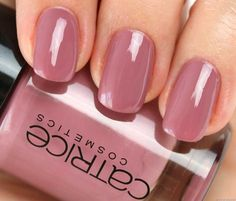 Catrice-Nagellack-103-Think-in-dusky-pink-Swatch: