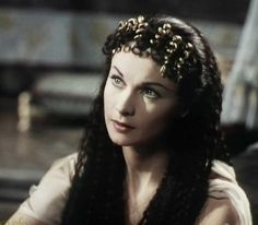 Vivien Leigh as Cleopatra. She looks so beautiful in this film.