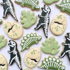 Minnie Birthday, Dinosaur Birthday Party, 3rd Birthday, Fancy Cookies, Royal Icing Cookies, Horse Cookies, Sugar Cookie Cakes, Dinosaur Cookies, Chocolate Covered Treats