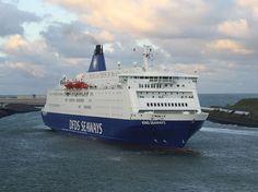 KING Seaways terwijl ze de haven uitvaart. Prachtige lucht ook. Met dank aan scheepsvaartnieuws.nl