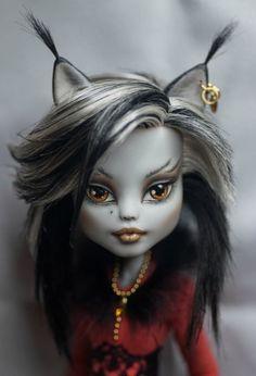 Adult Fans Of Monster High - thedollnerd: dollydooda: bestooakdolls: by...