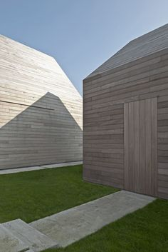 Image 4 of 31 from gallery of Residence / Vincent Van Duysen Architects. Photograph by Koen Van Damme Timber Architecture, Residential Architecture, Contemporary Architecture, Architecture Design, Houston Architecture, Van Damme, Timber Cladding, Exterior Cladding, Vincent Van Duysen