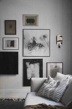 En lugn oas i Linné Wall Decor Design, Wall Art Designs, Living Room Art, Living Room Modern, Art Pour Salon, Industrial Wall Art, Room Color Schemes, Home Decor Bedroom, Modern Interior Design