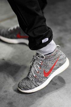 Nike Lunar Flyknit Chukka: Grey/Red