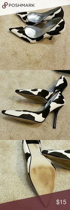 Guess pumps EUC point toe pumps. Brown cream color calf hair material Guess by Marciano Shoes Heels