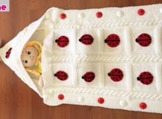 How to Crochet Cable Stitch Newborn Baby Bunting Cocoon Baby Knitting Patterns, Crochet Basket Pattern, Baby Patterns, Crochet Cable Stitch, Baby Bunting, Crochet Videos, Baby Online, Learn To Crochet, Crochet Designs