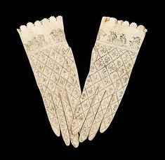Beautiful Spanish kid gloves.  These fine drawings must have taken so much time! So delicate! 1800-1810