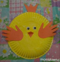 momstown Calgary made these paper plate and handprint chicks at their Easter party earlier this year, but they are also a perfect farm themed craft. Easter Crafts For Toddlers, Holiday Crafts For Kids, Easter Activities, Craft Activities For Kids, Toddler Crafts, Craft Ideas, Farm Animal Crafts, Farm Crafts, Crafts To Do