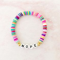 Diy Bracelets Easy, Bracelet Crafts, Cute Bracelets, Jewelry Crafts, Hippie Jewelry, Beaded Jewelry, Handmade Jewelry, Beaded Necklace, Beaded Bracelets