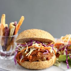 This Vegan Eggplant Pulled Pork Burger is easy to make, just as tasty as the real thing, and packed full of plant-based goodness. Pulled Pork Burger, Pork Burgers, Vegan Burgers, Whole Foods, Whole Food Recipes, Cooking Recipes, Free Recipes, Kid Recipes, Sin Gluten