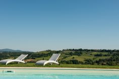 http://www.tuscanyinside.com/Apartment-with-pool-San-Gimignano.htm