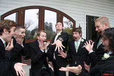 Witzige Hochzeitsfotos - Fotoideen für die Trauzeugen