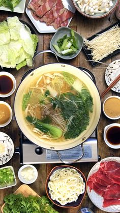 This Japanese styled hot pot is called shabu shabu. It is very popular and is known because the Japanese eat the meat in a special way. They dip the meat in the hot pot, say shabu shabu and then eat it. Japanese Soup, Japanese Dishes, Japanese Style, Asian Recipes, Healthy Recipes, Hot Pot Recipes, Fondue Recipes, Indonesian Recipes, Orange Recipes