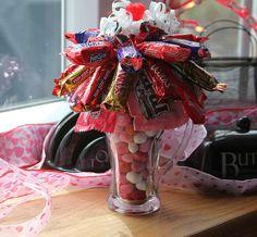Valentine's Day Candy Sundae. Valentines Days Ideas #Valentines, #pinsland, https://apps.facebook.com/yangutu