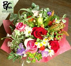 花ギフトのプレゼント【BFM】 個性的なそんなフラワーアレンジメント