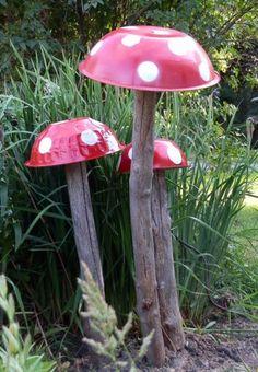 50-Ideen-für-DIY-Gartendeko-und-kreative-Gartengestaltungmit pilzen aus geschirr und holz