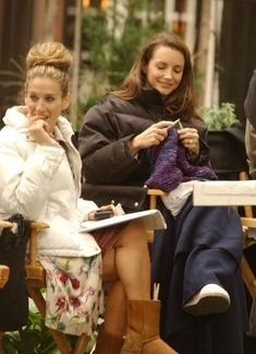 Sarah Jessica Parker and Kirstin Davis (note Sarah's needles in her boot)   Joan Crawford   Audrey Hepburn   Katherine Hepburn   Ann Sheridan and Bette Davis   First Lady Eleanor Roosevelt knitting on the train--or plane maybe   Yep, Cary Grant. I think this could be a shot from a movie. Not sure Cary was actually a knitter.   A young Russell Crow seems confused