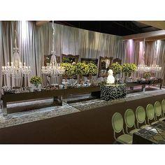 #mulpix Visão geral da mesa do bolo e estação de doces para  #jessevini por @arquitetar com  #tudolems e  #parceirolems @sunsetlightsbr @floriculturali em mais uma linda festa na já nossa querida Pedreiras, no Maranhão. 🌟  #lemscasaefesta  #decoração  #aluguel  #soulems  #porqueamamosfesta  #soumaislems  #alugueldemoveis  #luxo  #lems  #festa  #glam  #happy  #instahappy  #party  #temqueterlems  #fabulous  #decor  #lemsnasuafesta  #gorgeus  #partyrental  #wedding  #casamento  #casandocomlems…
