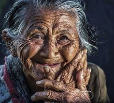 Love her smile... rarindra prakarsa -