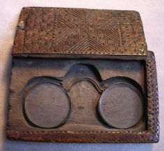 Nuremberg style nose spectacles. Note the continuous loop of slotted copper channel.