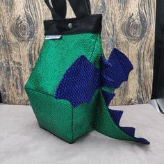 Draak Birdhouse Bag, Vogelhuis Breitas / projecttas, voor breiwerk, haakwerk etc by FiberRachel on Etsy Shiny Fabric, Blue Wings, Yarn Bowl, Knitted Bags, Knit Or Crochet, Birdhouse, Bag Sale, My Bags, My Design