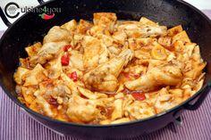 Hoy quiero invitaros a que probéis mi receta de Gazpacho Manchego.Se trata de una receta a la que le tengo mucho cariño, y es que hace muchos años que la preparo. La suelo cocinar en Read More ... Gazpacho Manchego, Spanish Kitchen, Murcia, Paella, Chicken, Meat, Ethnic Recipes, Chilis, Chowders