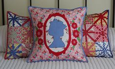 Jubilee pillow by PamKittyMorning. I love all three of these pillows. More projects to try. Crochet Projects, Sewing Projects, Pillow Inspiration, Blue Palette, Creation Couture, Baby Sewing, Slipcovers, Quilt Blocks, Home Crafts