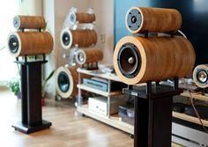 쿠르베 스노우맨 Subwoofer Box Design, Speaker Box Design, Sound Speaker, Audio Sound, Audio Design, Home Speakers, Audio Room, Wooden Lamp, Hifi Audio