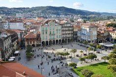 Pontevedra se ha convertido en los últimos años en un modelo para muchas ciudades.Esta localidad gallega de más de 80.000 habitantes ha logrado, en solo 15 años, que más del 70% de los desplazamientos urbanos se hagan a pie o en bicicleta.Solamente tres de cada diez personas que se mueven por la ciudad lo hacen …