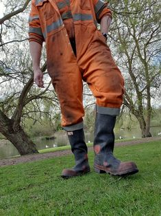 Lover of waders and wellies Hi Vis Workwear, Worker Boots, Construction Worker, Aprons, Farmers, Leather Men, Jeans And Boots, Work Wear, Rain Boots