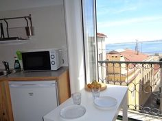 Alfama - Very bright and welcoming apartment with a beautiful Tagus view. Lovely Apartments, Rental Apartments, Santa Maria, Small Buildings, Best Location, Ideal Home, Condo, Kitchen Appliances, House