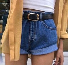 how to layer outfit | how to style belt | how to style large belt | high waisted shorts | fashion | #ootd