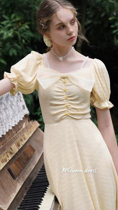 Fashion Drawing Dresses, Fashion Dresses, Retro Fashion, Vintage Fashion, Romantic Outfit, Beautiful Long Hair, Chicano, Parisian Style, Feminine Style