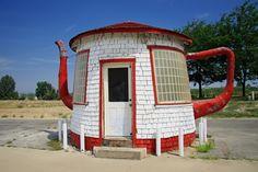 Teapot Dome Service Station in Zillah, Washington.