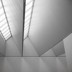 Striking skylight - directional lighting