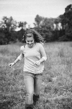 She looks like she has no worries and is just enjoying her youth  ellie be: storyteller + photographer : bekah | portraits