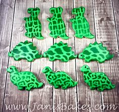 janisbakes:  dinosaur decorated cookies