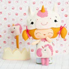 PDF unicornio princesa muñeca. Felpa muñeca patrón por Noialand