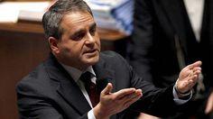 Xavier Bertrand accuse En Marche ! de « s'attaquer » aux retraités