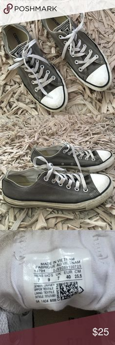 Grey Converse *lightly worn* grey converse low tops in great condition! Converse Shoes Sneakers