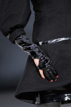 Trend #gloves #nailart @ chanel