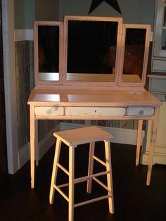 Vintage Desk/Vanity by prettydistressed on Etsy, $320.00