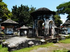"""Since it became defunct in the condition of the old Peneleh cemetery in Surabaya has deteriorated despite its impressive history, which dates back to its establishment in It used to be a """"sacred"""" place Dutch East Indies, Old Building, Surabaya, Cemetery, Abandoned, Gazebo, Old Things, The Incredibles, Outdoor Structures"""