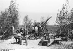 German Artillery France May 1940 - pin by Paolo Marzioli German Soldiers Ww2, American Soldiers, German Army, Military Personnel, Military Weapons, Ww2 Facts, France, German Submarines, Soviet Army