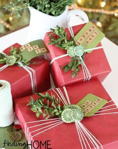 Super holiday gift wrap